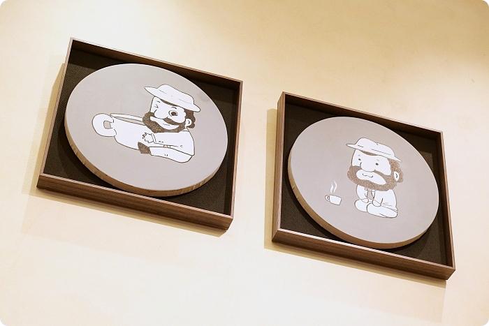 宜蘭景點⎪金車員山藝文中心。新亮點:可愛的伯朗先生60種KUSO版在這裡!有維梅爾畫風、跟月兔喝咖啡的伯朗阿伯,快來當文青拍一回! @捲捲頭 Wonderful 品味。生活